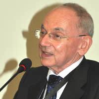 CARLO CESARE MONTANI, nato a Fiume nel 1937, ha conseguito la laurea in Scienze politiche e sociali «summa cum laude» presso l'Università di Firenze (1959) ... - carlo_cesare_montani